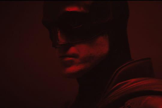 Batman: les premières images de Robert Pattinson en costume