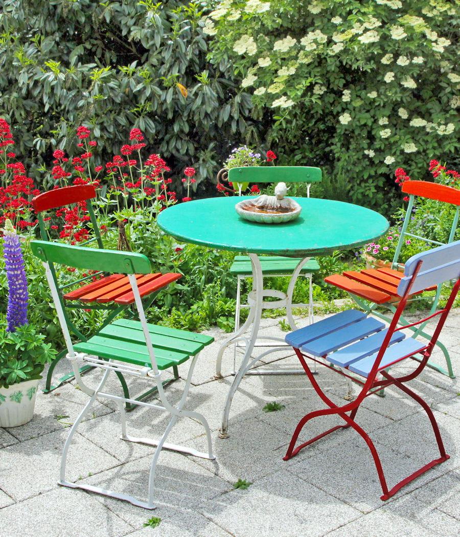 Peindre son mobilier de jardin en fer