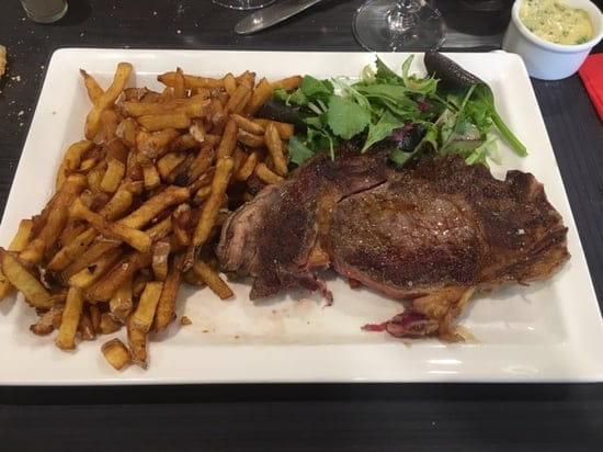 Plat : La Terrasse du Stade (Brasserie du SNUC)  - Entrecôte frites maison  -