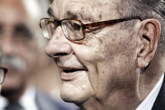 """Jacques Chirac: annoncé mort il y a 2ans, il reste """"solide"""" à 86ans"""