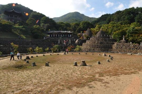 Le temple de pierres