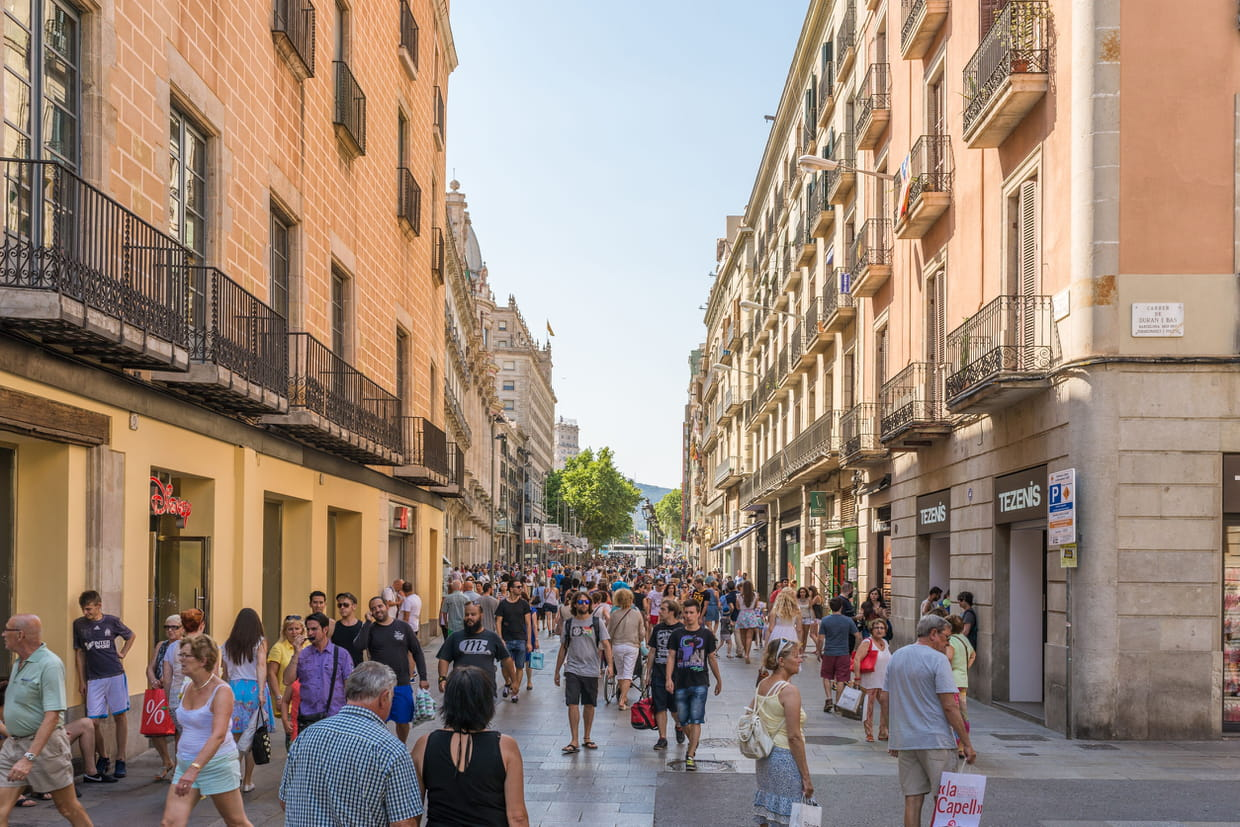Carte Identite Barcelone.Soldes A Barcelone Dates 2019 Adresses Shopping Infos