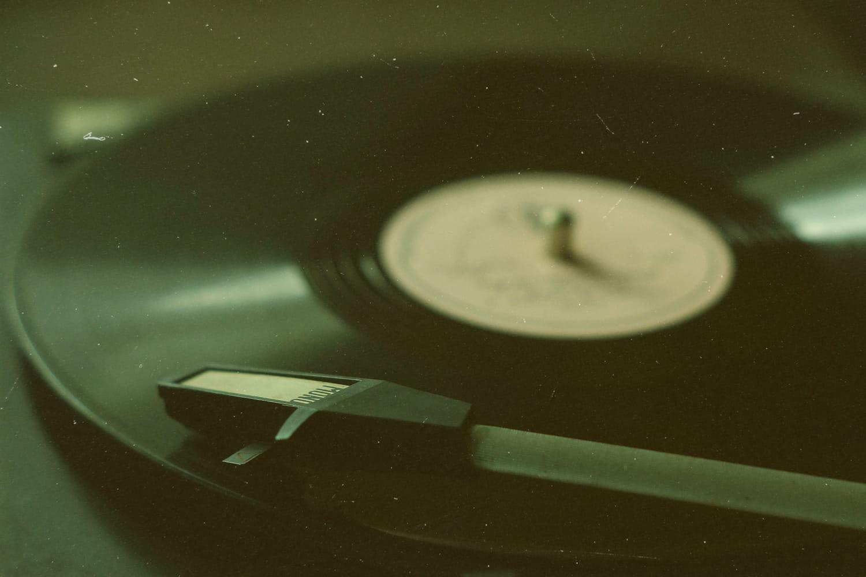 Les meilleures chansons des années 60: la playlist des années yéyé