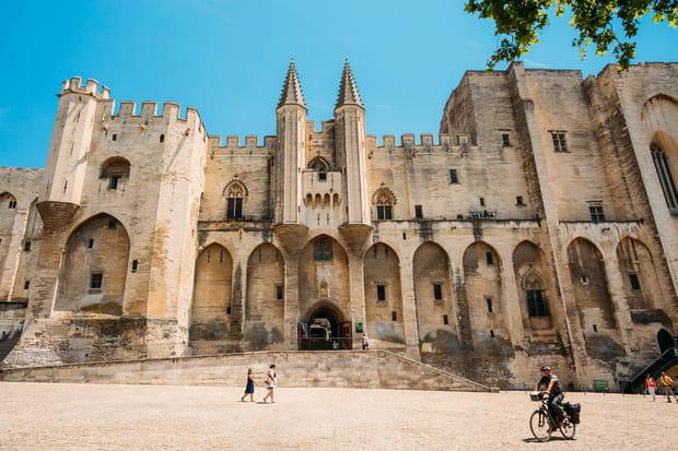 30e: Palais des papes d'Avignon