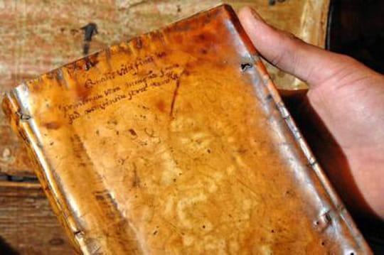 Des livres recouverts de peau humaine à Harvard