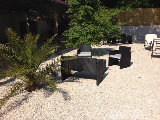 Restaurant : L'Intemporel  - Les coins salons de la terrasse -