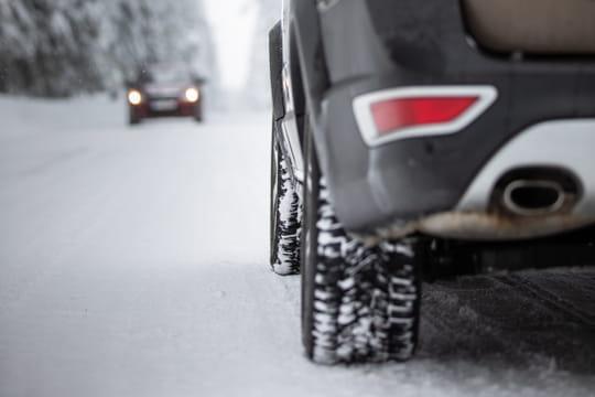 Pneu hiver: plus sûrs que des chaînes? Quand les utiliser? Le guide