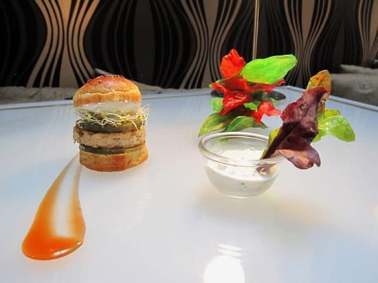 Monjul  - burger tika massala -   © monjul
