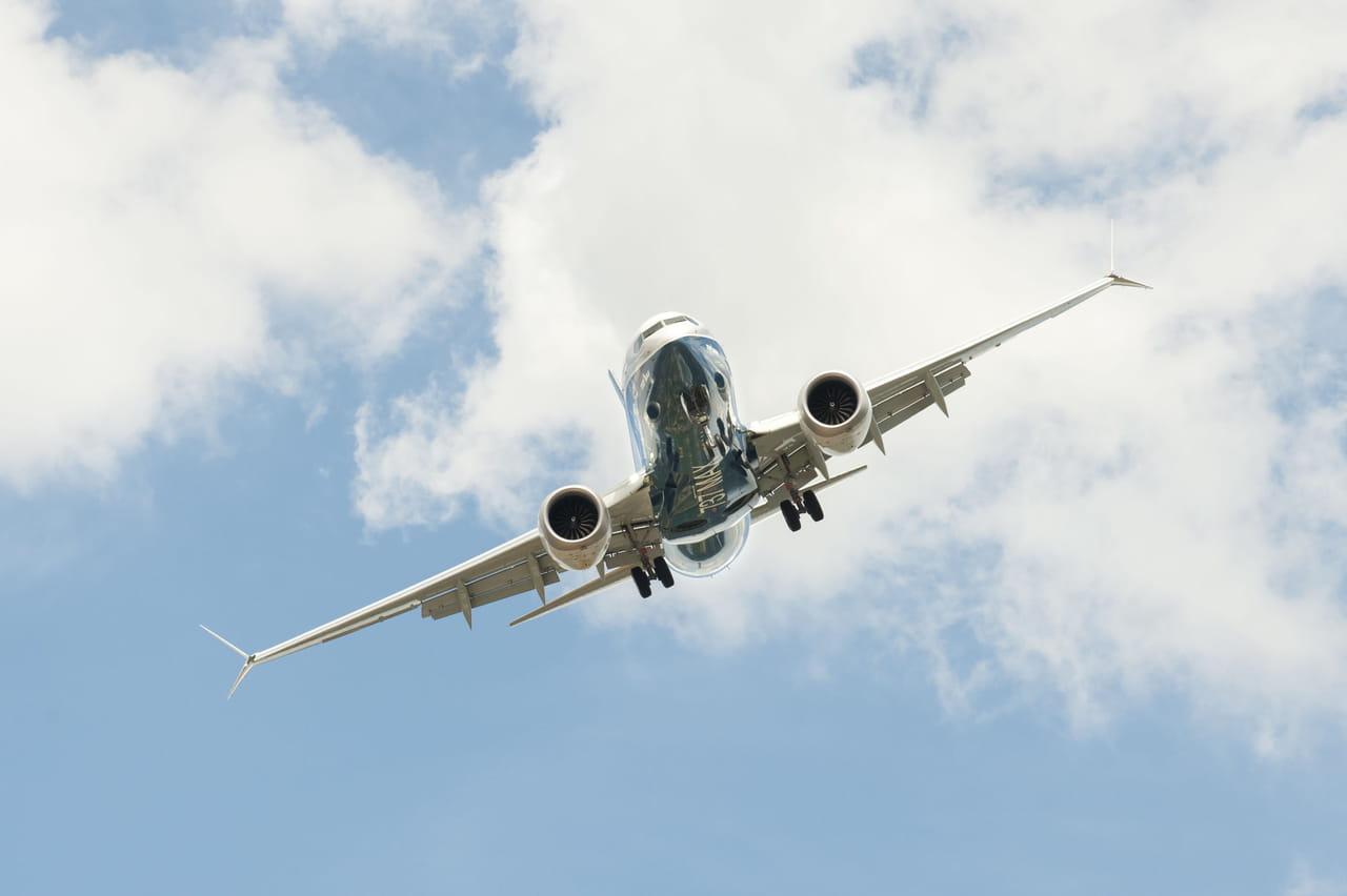 Boeing 737MAX: les pilotes mis hors de cause, les avions restent cloués au sol