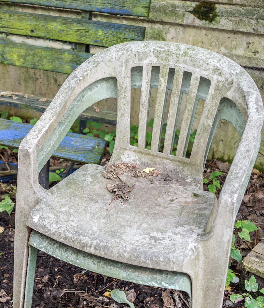 Nettoyer le mobilier de jardin en plastique
