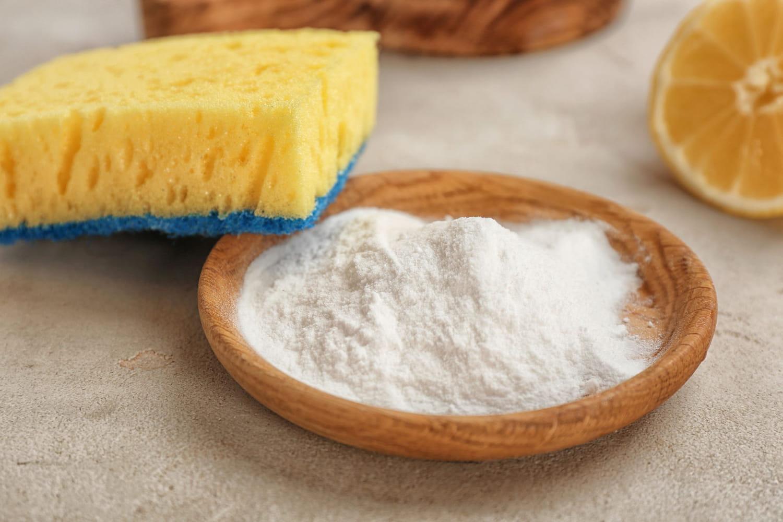 Bicarbonate de soude: les utilisations pour le nettoyage de la maison