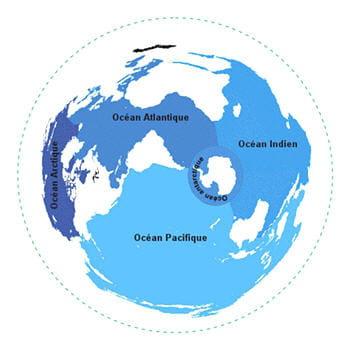 l'essentiel de l'eau se trouve dans les mers et les océans.