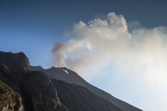 Eruption du Stromboli: des images choc, quelles consignes pour les touristes?