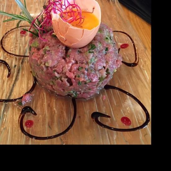 Plat : Restaurant le 8  - Le meilleur steak tartare de la région !! -