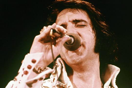 Elvis Presley: sa carrière, ses chansons, sa mort... Biographie du King