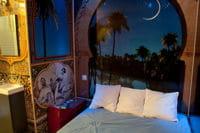 hotel love small