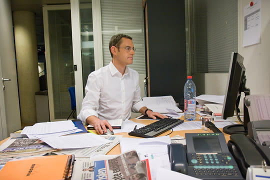 Francis Letellier dans son bureau