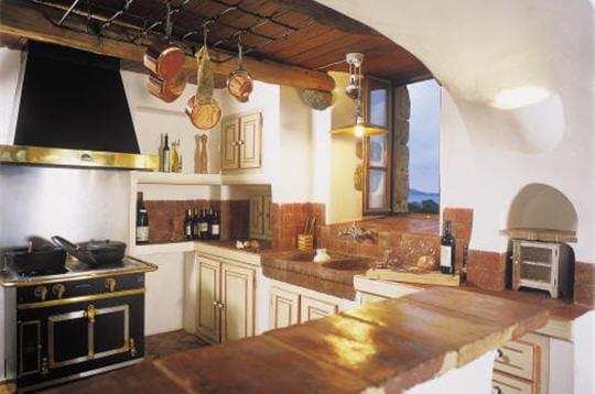 La cuisine entre modernit et tradition for Cuisine entre copains