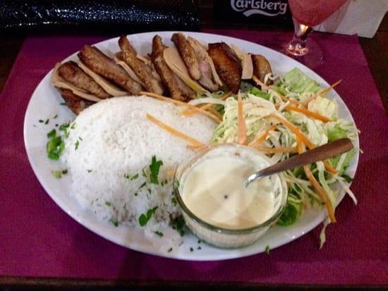 Restaurant : ETE indien  - Magret de canard façon Rossini , accompagnement riz et salade (sauce poivre pour mon riz) -