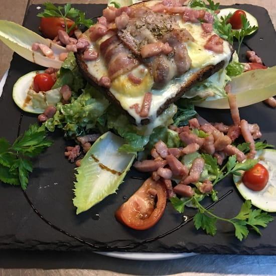 La Calabria  - Salade de Saint Félicien coulant en rubans de lard fumé sur toast -