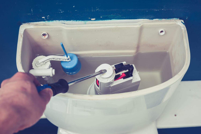 Comment remplacer un mécanisme de chasse d'eau?