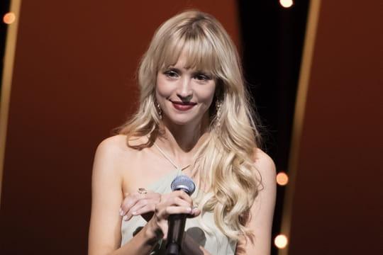 """Angèle: """"La plus grande star de la pop en français"""" pour le New York Times"""