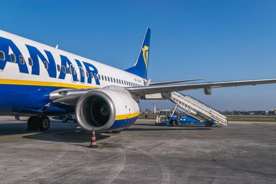 Ryanair: 20touristes ivres à bord, l'avion atterrit d'urgence