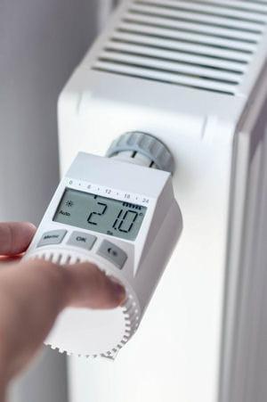 est il recommand d 39 installer une robinet thermostatique sur un radiateur. Black Bedroom Furniture Sets. Home Design Ideas