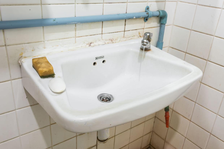 Comment Installer Un Lave Main Avec Meuble remplacer un lavabo : mode d'emploi et conseils