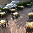 Le Relais du Cheval Blanc  - la terrasse -   © p cauchois