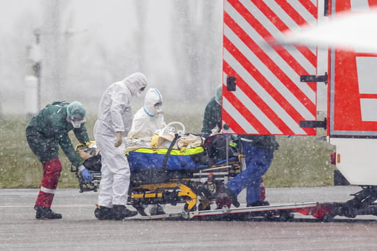 DIRECT. Coronavirus en France: le virus plus virulent? Une séquence dramatique commence