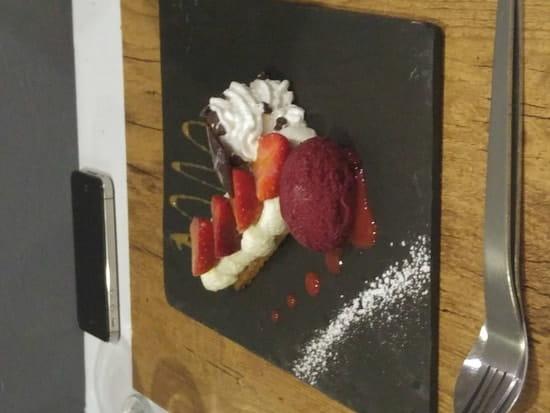 Dessert : Le Bistronomique  - sablé aux premières fraises  -