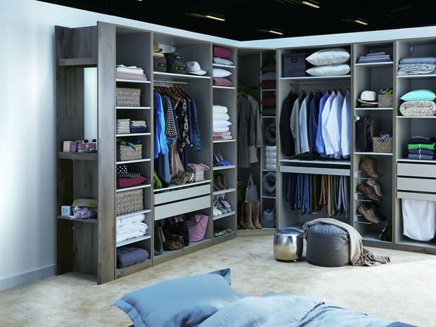 dressing conseils pour le choisir sur mesure et pas cher. Black Bedroom Furniture Sets. Home Design Ideas