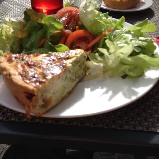 Plat : Au Moulin à Café  - Tarte aux fromages (chèvre, bleu de Bresse, pomme de terre et brocolis) -