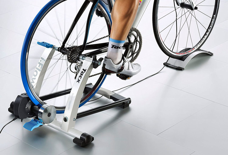 Home trainer vélo: comment bien choisir, les meilleurs modèles