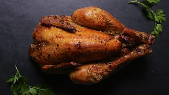 Plat : Yellow Kitchens  - poulet fermier -   © Yellow Kitchens