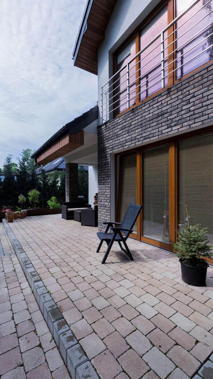 Percarbonate De Sodium Pour Terrasse Bois nettoyer le sol d'une terrasse en pierre naturelle