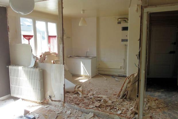 suppression des cloisons entre le couloir la cuisine et. Black Bedroom Furniture Sets. Home Design Ideas