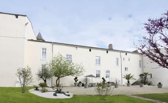 Hostellerie du Château de Charron