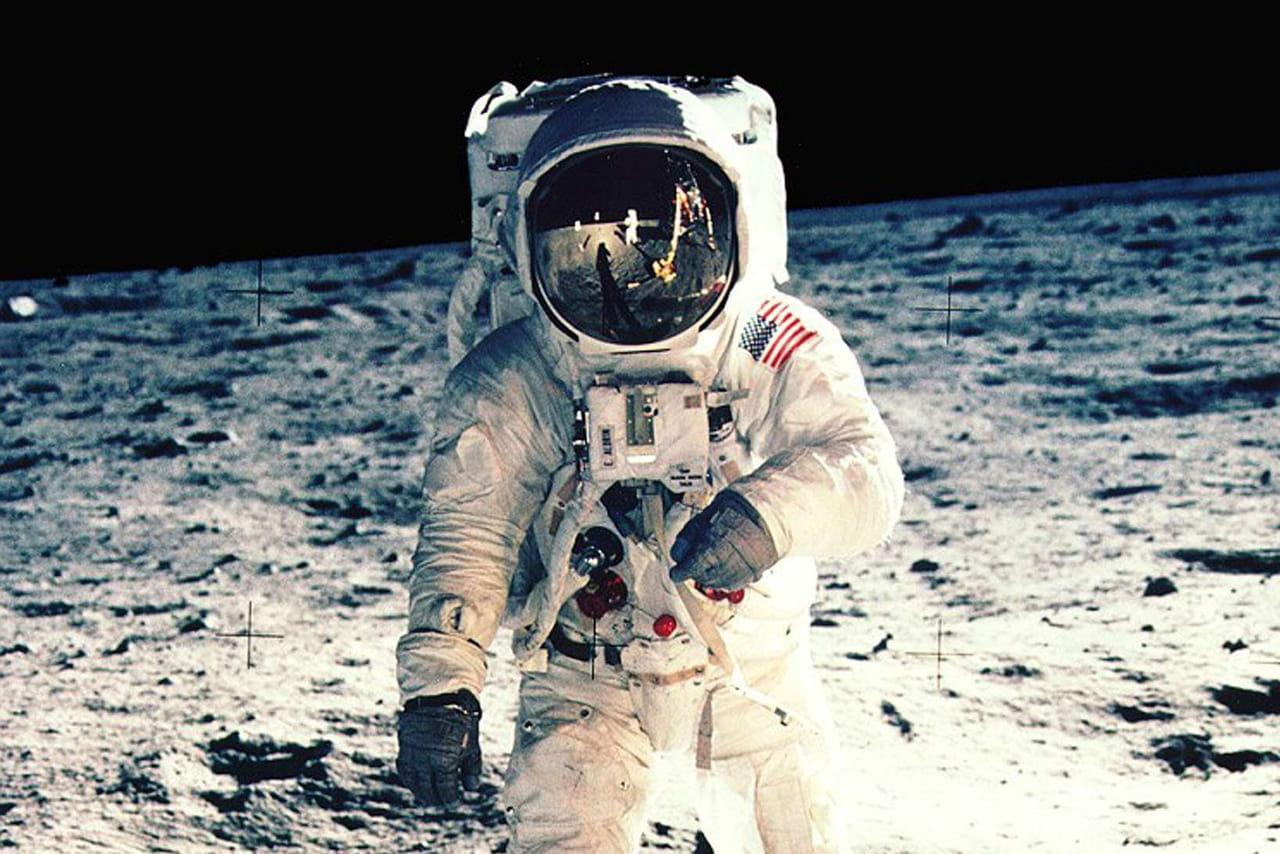 Premier pas sur la Lune: date, heure et preuves anti-complot