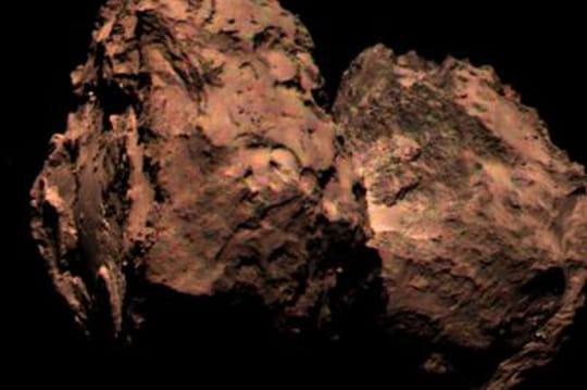 """Rosetta: Philae est sur une comète """"rouge poussérieux"""""""