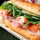 Plat : Viet d'Azur  - Sandwich Vietnamien ( bánh mì thịt) -   © Original