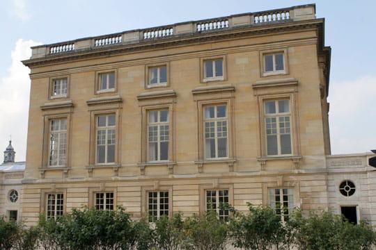 Fa ade c t jardin anglais for Jardin anglais du petit trianon