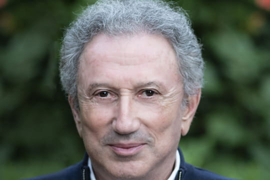 Michel Drucker: Vivement dimanche, Johnny Hallyday... Biographie du maître du Paf