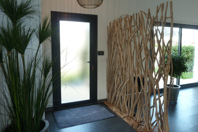 une cloison nature. Black Bedroom Furniture Sets. Home Design Ideas