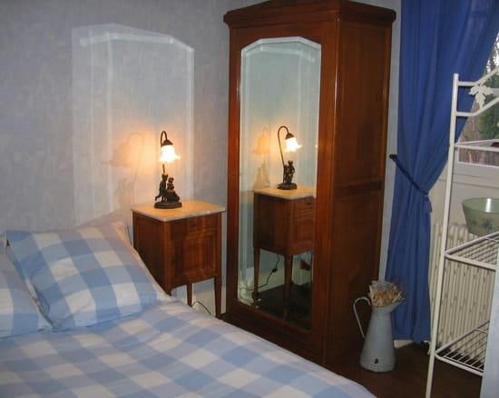 La Croix Messire Jean  - un hébergement en chambre à l'odeur des parquets cirés -