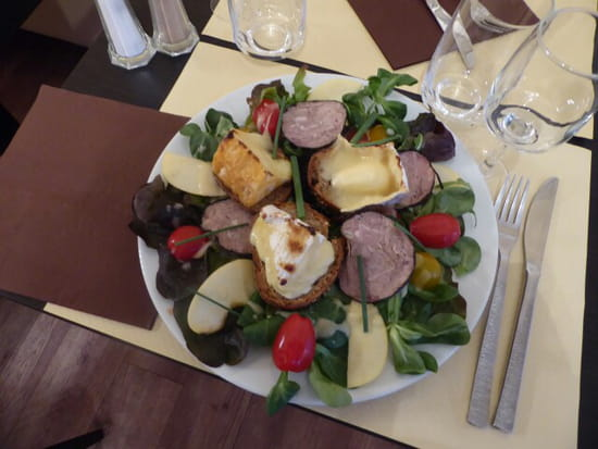 Plat : Authentic  - Salade normande -   © Ok