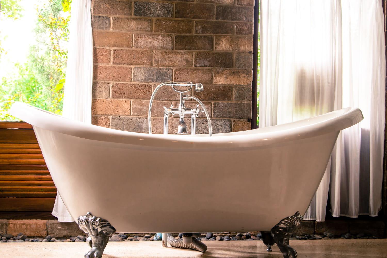 Réparer l'émail d'une baignoire