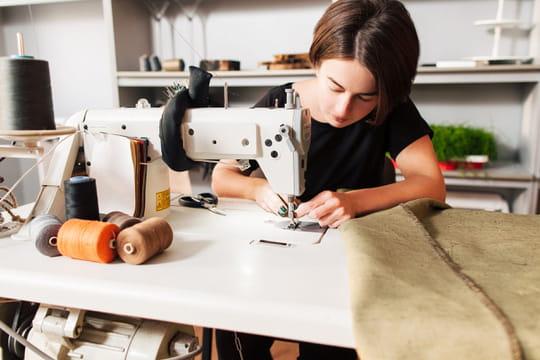 apprendre coudre les bases de la couture. Black Bedroom Furniture Sets. Home Design Ideas