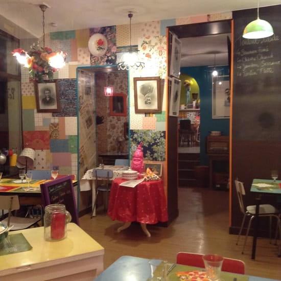Chez Paulette  - salle du bas Chez Paulette Bayeux -   © ChezPauletteBayeux